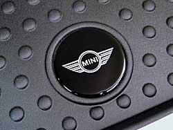 black rubber trunk mat - MINI logo